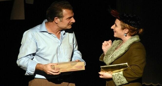 Nazım Hikmet'in hayatı tiyatro sahnesinde