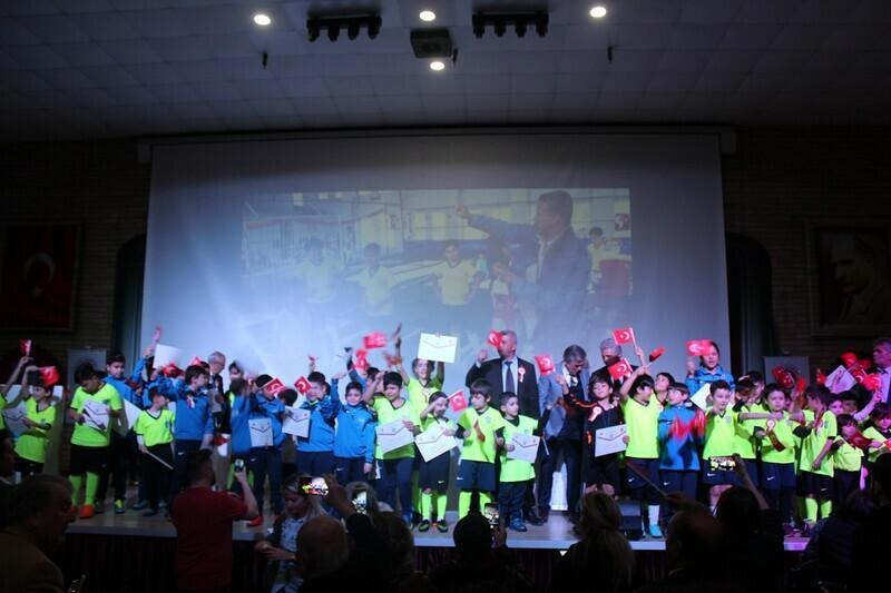 """Ahmet Şimşek'te """"Yaşasın Futbol"""" paneli düzenlendi."""