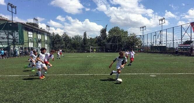 Tren kazasında hayatını kaybeden Oğuz Arda Sel için futbol turnuvası düzenlendi