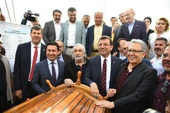İmamoğlu Samsun'a Gidecek Yelkenli Okul Gemisini Kadıköy'den Uğurladı