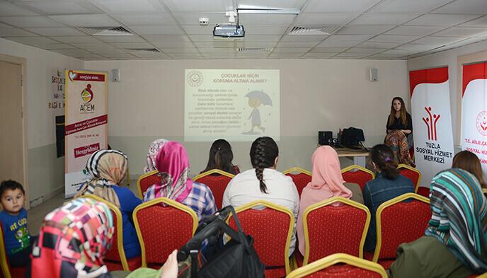 Tuzla Belediyesi Anne Çocuk Eğitim Merkezi, 'Evlat Edinme ve Koruyucu Aile Semineri' Düzenliyor