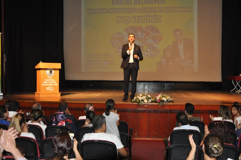 Kartal Belediyesi Yaz Okulu Tanıtımı Yoğun kalabalık eşliğinde gerçekleşti.