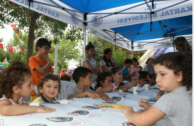 Kartal'da Çocuk Şenliği, Yoğun Katılımla Devam Ediyor